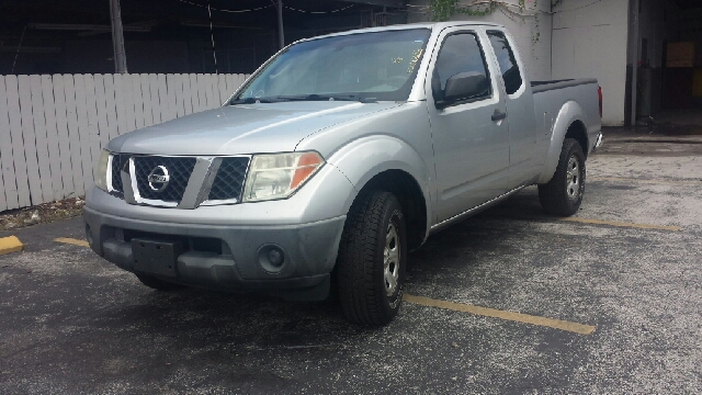 2006 NISSAN FRONTIER XE 4DR KING CAB SB WMANUAL silver clean tite