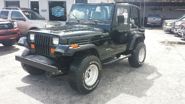 1995 JEEP WRANGLER S 2DR 4WD SUV black clean title
