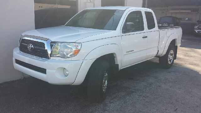 2011 TOYOTA TACOMA PRERUNNER V6 4X2 4DR ACCESS CAB white clean title