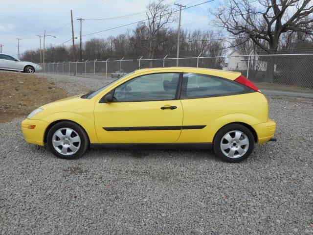 2002 ford focus zx3 2dr hatchback in youngstown oh. Black Bedroom Furniture Sets. Home Design Ideas