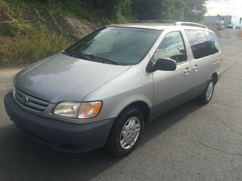 2003 Toyota Sienna for sale in Springfield, MA
