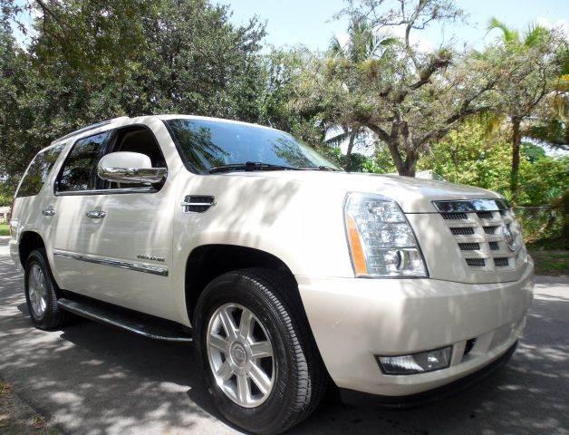 2010 CADILLAC ESCALADE BASE 4DR SUV white call 9545105507 good credit bad credit no problem