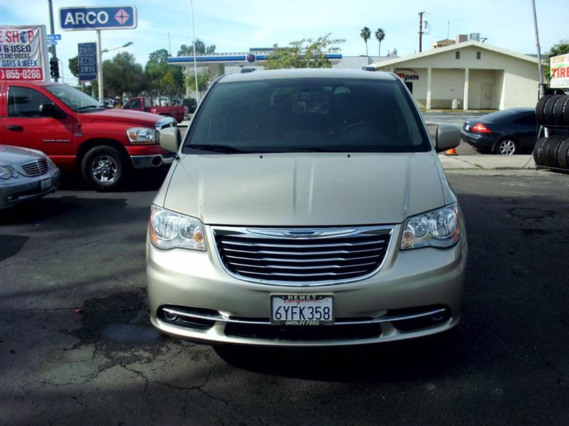 2012 Chrysler Town and Country Touring 4dr Mini-Van - San Diego CA
