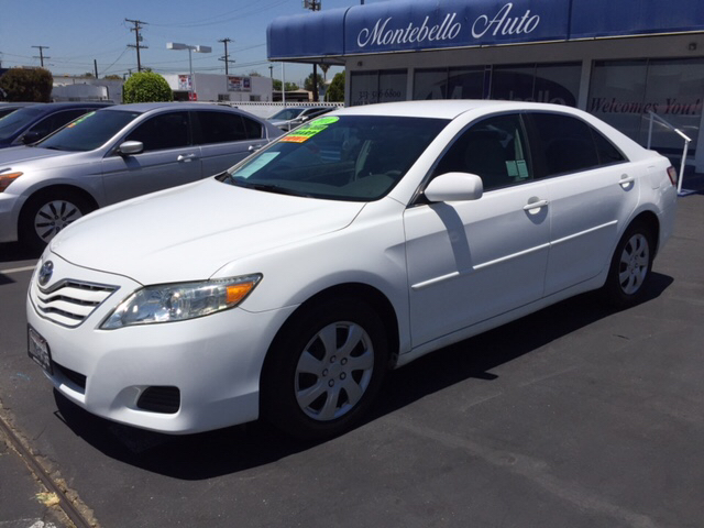 2011 TOYOTA CAMRY LE 4DR SEDAN 6A white 2-stage unlocking doors abs - 4-wheel air filtration a