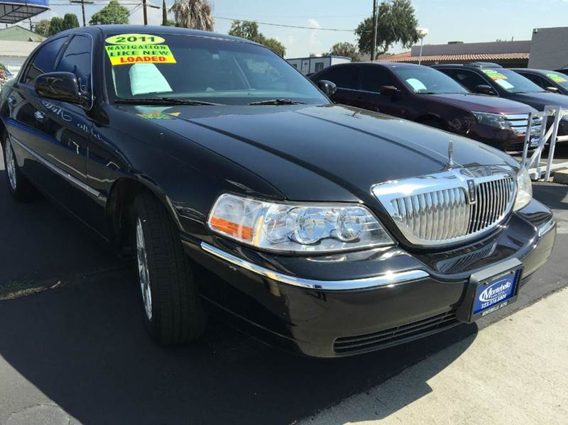 2011 LINCOLN TOWN CAR SIGNATURE LIMITED 4DR SEDAN black cash price  plus applicable fees 2-stage