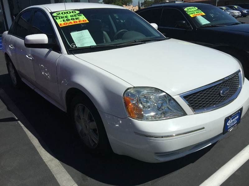 2006 FORD FIVE HUNDRED SE 4DR SEDAN white cash price plus aplicable fees abs - 4-wheel airbag de