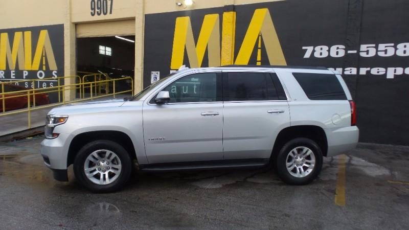 2017 CHEVROLET TAHOE LT 4X4 4DR SUV silver well maintained very clean interior runs  drives grea