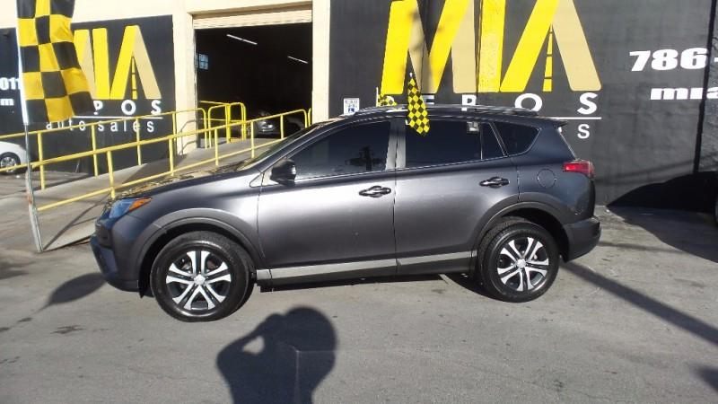 2017 TOYOTA RAV4 LE 4DR SUV gray well maintained very clean interior runs  drives great one own
