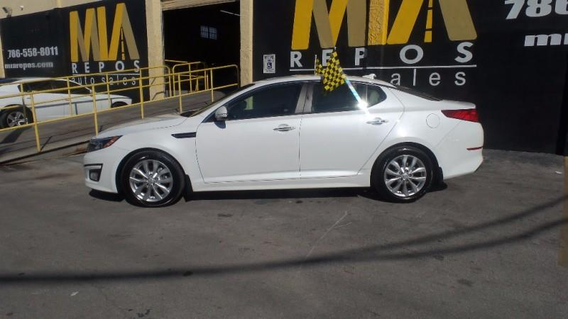 2015 KIA OPTIMA EX 4DR SEDAN white very clean interior well maintained runs  drives great must