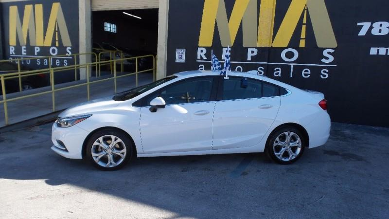 2017 CHEVROLET CRUZE LT AUTO 4DR SEDAN white well maintained very clean interior still under fac