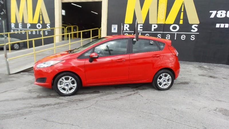 2015 FORD FIESTA SE 4DR HATCHBACK red well maintained very clean interior runs  drives great n