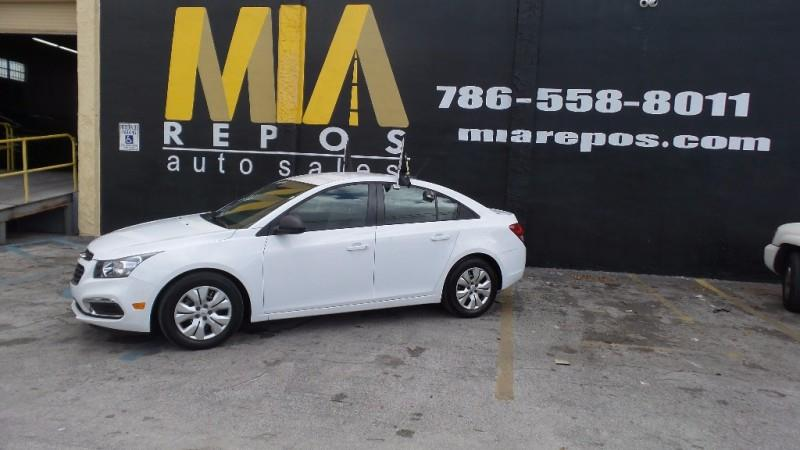 2015 CHEVROLET CRUZE LS AUTO 4DR SEDAN W1SB white well maintained very clean interior perfect f