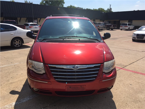 2005 Chrysler Town and Country for sale in Dallas, TX