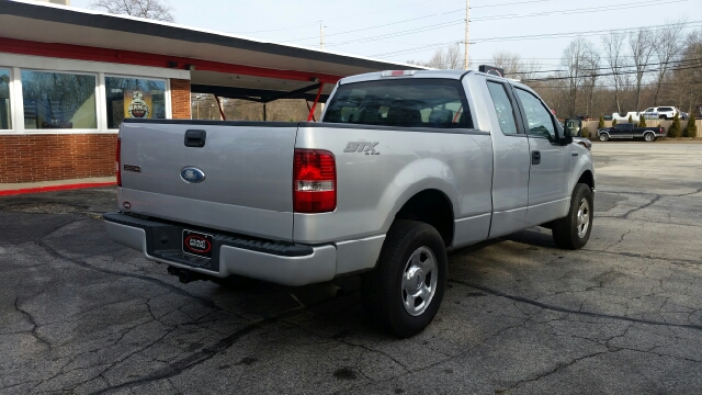 2007 Ford F-150 STX 4dr SuperCab 4WD Styleside 5.5 ft. SB - Elkhart IN