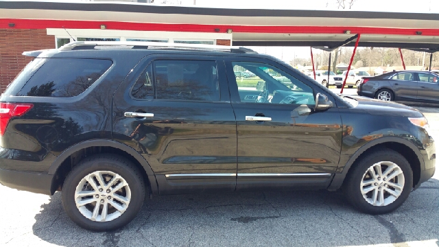2013 Ford Explorer AWD XLT 4dr SUV - Elkhart IN