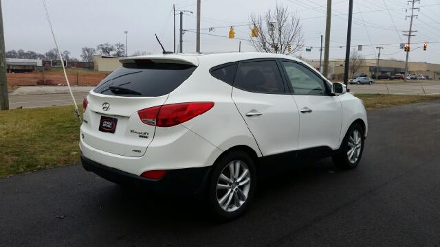 2012 Hyundai Tucson Limited AWD 4dr SUV - Elkhart IN