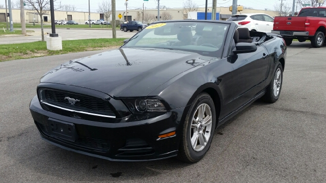 2013 Ford Mustang V6 2dr Convertible - South Bend IN