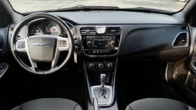 2014 Chrysler 200 Touring 4dr Sedan - South Bend IN
