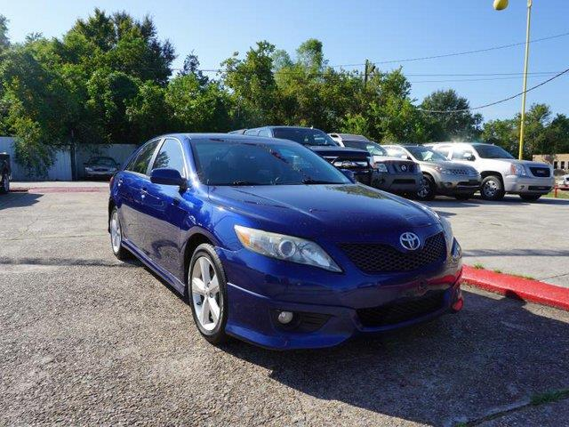 2011 TOYOTA CAMRY SE 4DR SEDAN 6A blue ribbon metallic power tiltsliding sunroofpassenger air b