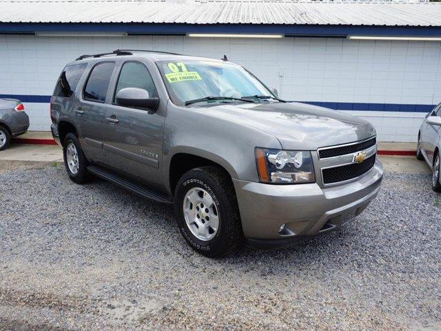 2007 CHEVROLET TAHOE LT 2WD silver birch metallic tow hitchtires - front performancerunning boa