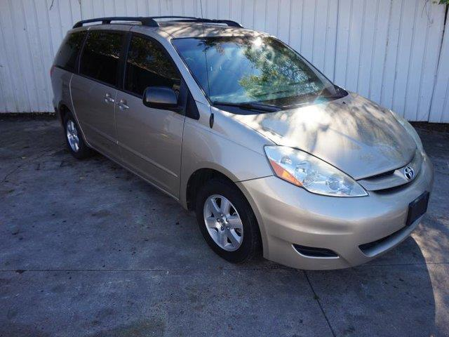 2006 TOYOTA SIENNA LE 7-PASS FWD gold acadjustable steering wheelchild safety lockscloth seat