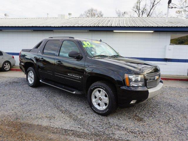2009 CHEVROLET AVALANCHE LT W1LT 2WD black cargo shadestability controlbluetooth connectionti