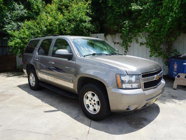 2007 CHEVROLET TAHOE LT 4WD silver birch metallic cargo shadetire pressure monitorfront reading