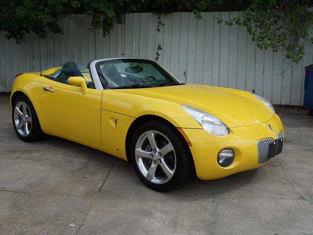 2007 PONTIAC SOLSTICE BASE 2DR CONVERTIBLE mean convertible soft topremote trunk releasefront r