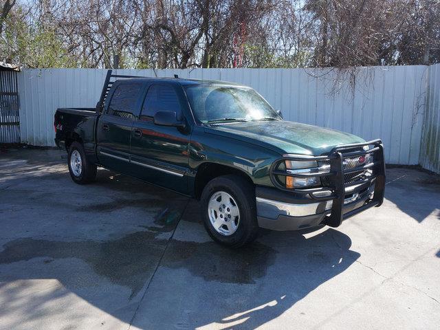 2004 CHEVROLET SILVERADO 1500 1500 1435 WB 4WD LS dark green metallic transmission overdrive swi