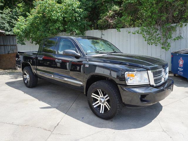 2010 DODGE DAKOTA LARAMIE 4X4 4DR CREW CAB brilliant black pearl auxiliary audio inputbed liner