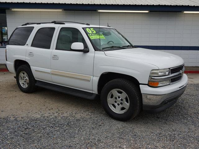 2005 CHEVROLET TAHOE 1500 LT summit white gasoline fuelpower tiltsliding sunroofmulti-zone ac