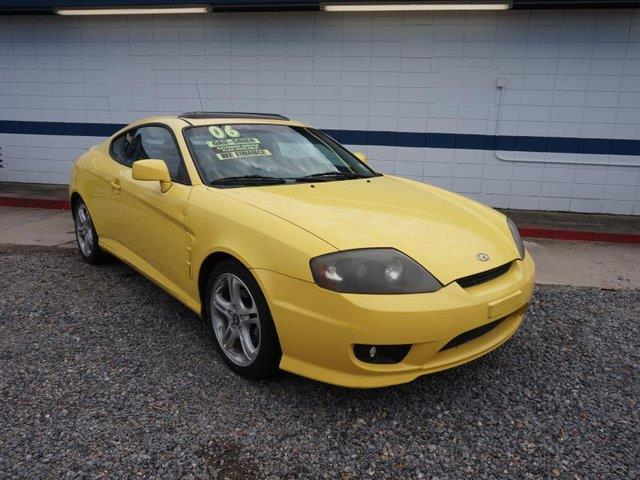 2006 HYUNDAI TIBURON GT V6 4-SPD sunburst yellow rear bench seatrear spoilerleather steering wh