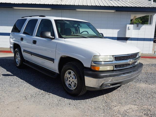 2004 CHEVROLET TAHOE 1500 LS summit white climate controlacalarmcassettecd playerpower driv