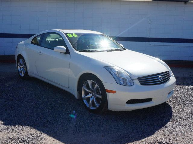 2006 INFINITI G35 BASE 2DR COUPE WAUTOMATIC ivory pearl aluminum wheelstires - rear performance