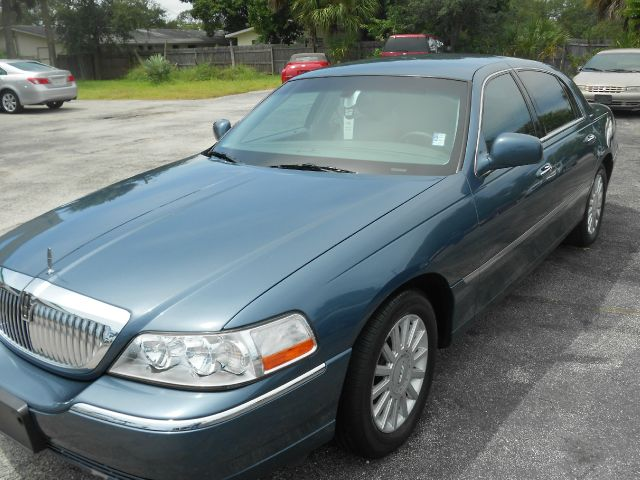 2005 Lincoln Town Car for sale in Melbourne FL