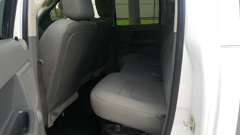 2008 Dodge Ram Pickup 3500 SLT 4dr Quad Cab 4WD LB - Miami FL