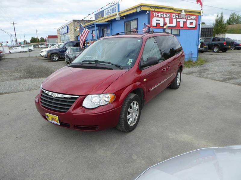 2007 Chrysler Town and Country Touring 4dr Extended Mini Van w/ Supplemental Side Curtain Airbags - Anchorage AK