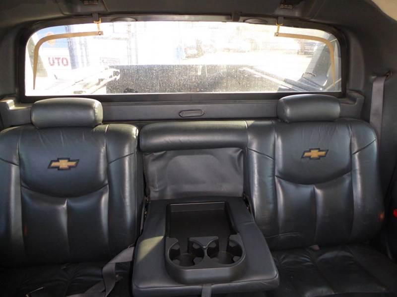 2002 Chevrolet Avalanche 1500 4dr 4WD Crew Cab SB - Anchorage AK