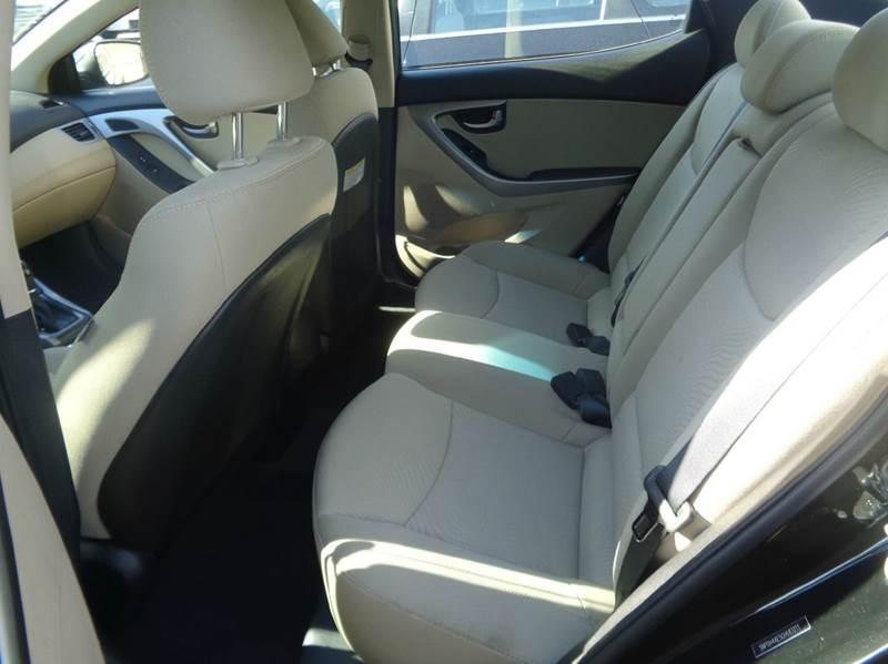 2016 Hyundai Elantra Limited 4dr Sedan 6A (US) - Worcester MA