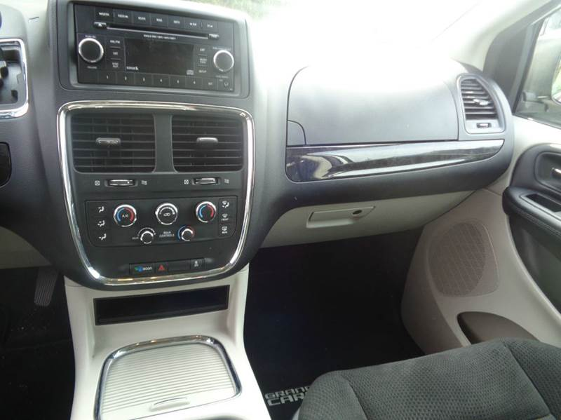 2016 Dodge Grand Caravan SXT 4dr Mini-Van - Worcester MA