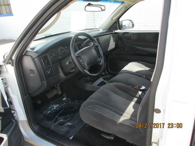 2001 Dodge Dakota 2dr SLT Standard Cab SB 2WD - Carbondale IL