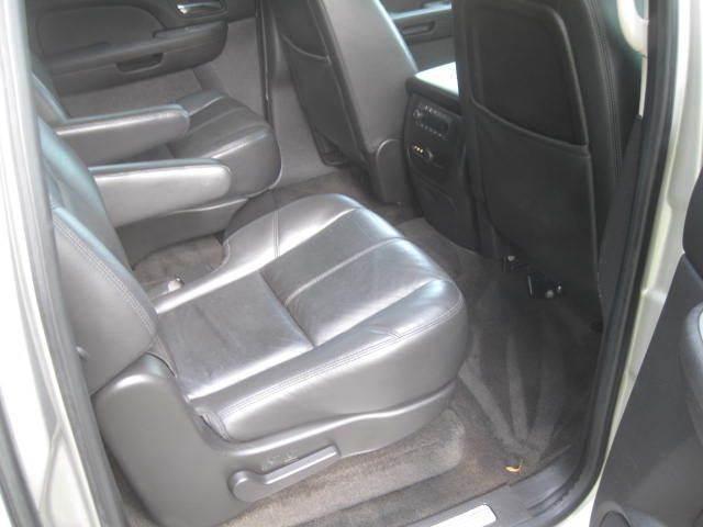 2008 Chevrolet Suburban 4x4 LT 1500 4dr SUV - Green Bay WI
