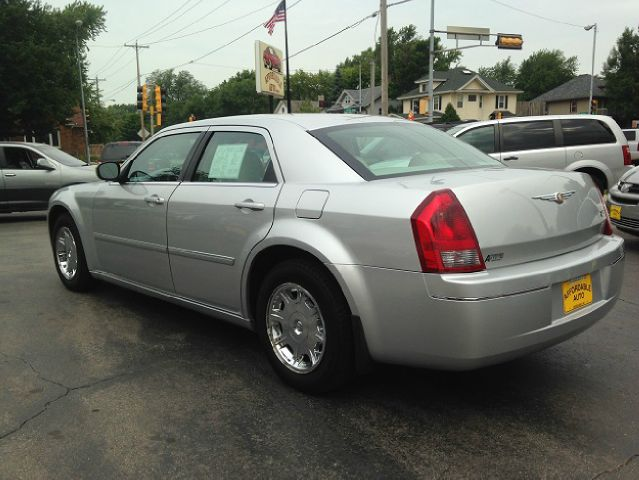 2006 chrysler 300 touring 4dr sedan for sale in green bay. Cars Review. Best American Auto & Cars Review