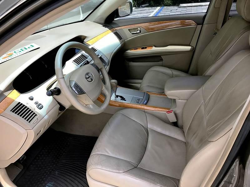 2006 Toyota Avalon XLS 4dr Sedan - Miami FL