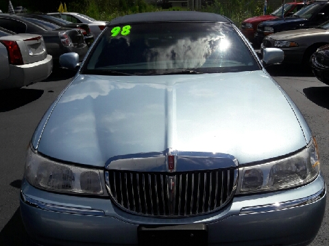 1998 Lincoln Town Car for sale in Valparaiso, IN