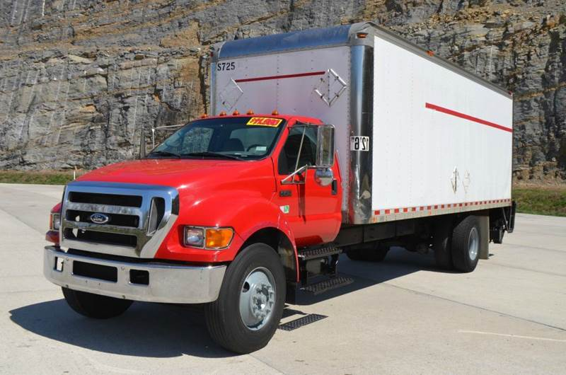 2005 Ford F750 24ft Box Truck w/ Liftgat  - Medley WV