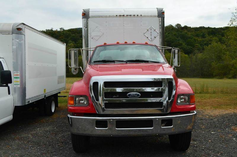 2006 Ford F750 TD 24ft Box Truck w/ Lift  - Medley WV
