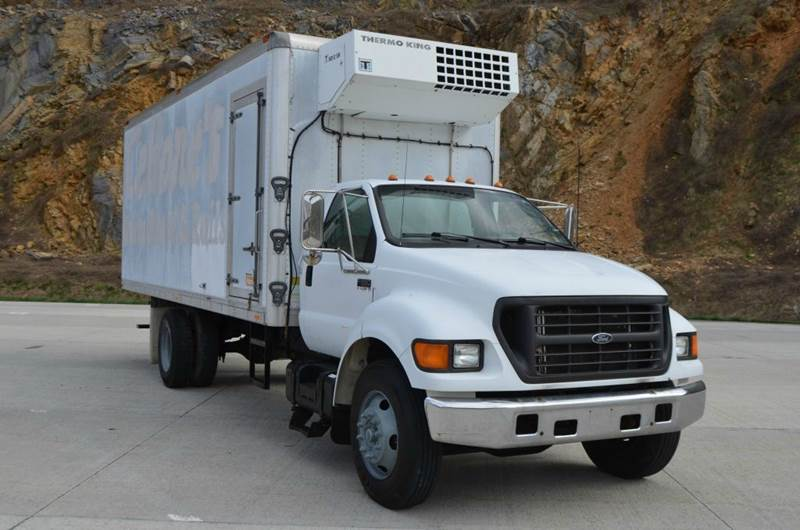 2000 Ford F650 20ft Refer Truck  - Medley WV