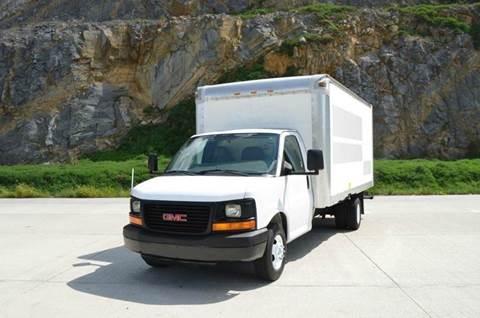 2008 GMC Savana 16ft Box Truck