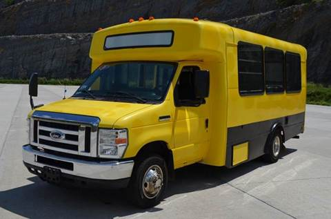2010 Ford E-450 14 Passenger Shuttle Bus